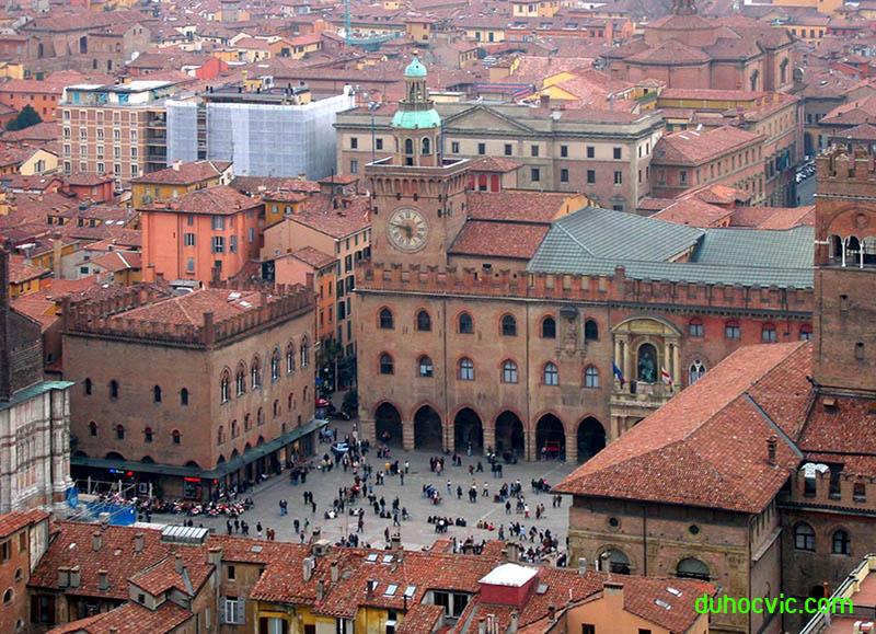 trường đại học Bologna Ý