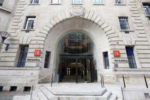 2 trường khoa học và xã hội hàng đầu: LSE với Sciences Po