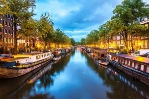 canals_in_amsterdam