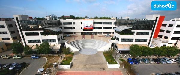 khuôn viên đại học nicosia