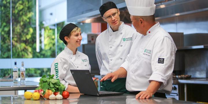 sinh viên ngành ẩm thực