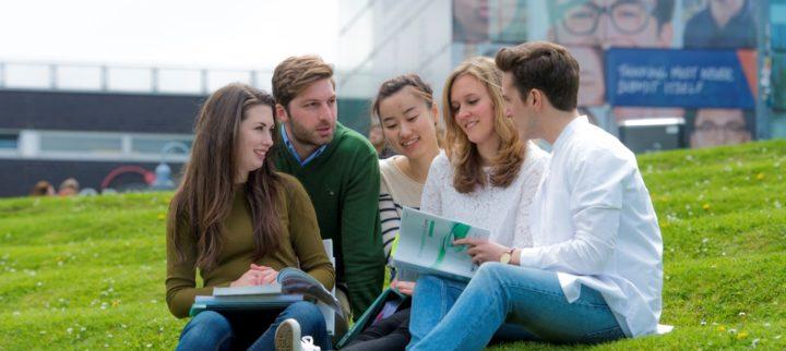 sinh viên tại đại học VUB
