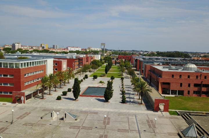 khuôn viên đại học aveiro