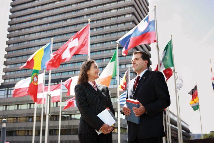 việc làm ngàng quan hệ quốc tế