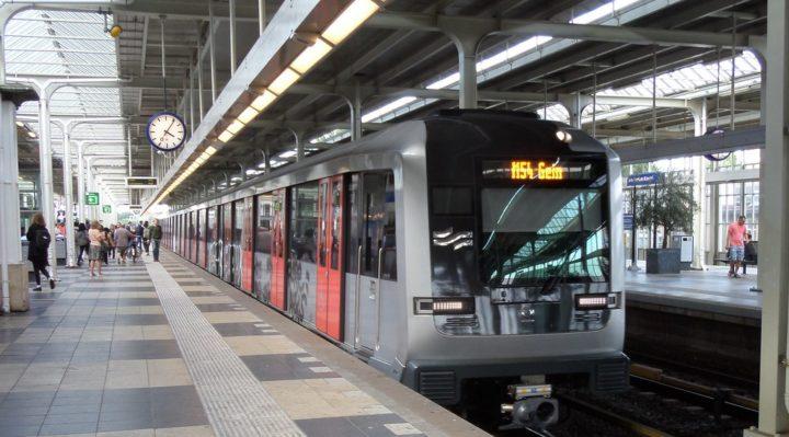 giao thông công cộng hà lan: tàu điện ngầm