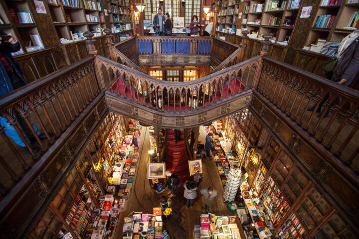 thư viện Bertrand ở Lisbon