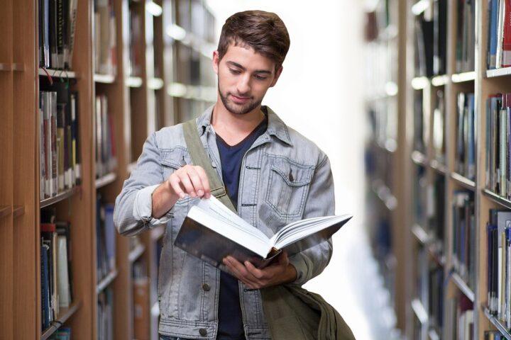 bạn đang đọc sách gì là một câu hỏi khi phỏng vấn với trường