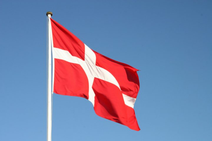 Dannebrog - quốc kỳ đan mạch
