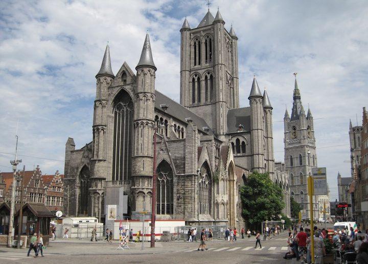Vương quốc Bỉ có nhiều di sản nổi tiếng như thánh đường, lâu đài,...